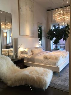 The Reasons Why You Must Know These Home Decor Brands - Home Design Ideas Home Trends summer home decor trends 2018 Dream Rooms, Dream Bedroom, Home Bedroom, Bedroom Ideas, Bedroom Inspiration, Bedroom Decor Glam, Winter Bedroom Decor, All White Bedroom, Master Bedrooms