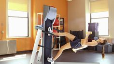 Woman On Gym Treadmill Cranks Incline Up To 90 Degrees  http://trib.al/lQvE9EA #Epic #Fitness #Humor #BIZBoost
