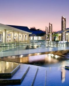 Waterside Shops offer the finest in luxury shopping in dining