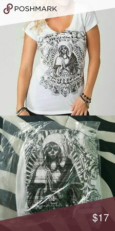 NWT Metal Mulisha reina v-neck top tee shirt Authentic Metal Mulisha La Reina Top Size: Extra-Small Brand New with tags  Oversized front screen with silver foil  Short sleeve. V-neck. 100% cotton. Metal Mulisha Tops Tees - Short Sleeve