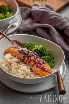 Honey Glaze makes this salmon super delicious. The garlic and ginger permeate it with flavor and make it juicy Salmon Recipe Pan, Honey Glazed Salmon Recipe, Seared Salmon Recipes, Ginger Salmon, Healthy Salmon Recipes, Pan Seared Salmon, Fish Recipes, Seafood Recipes, Dinner Recipes