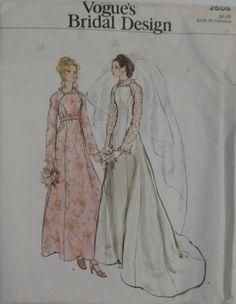 Vintage Vogue's Bridal Design Size 8 UNCUT #2809 Misses' Bridal Dress #VintageVoguesBridalDesign #MissesBridalDress
