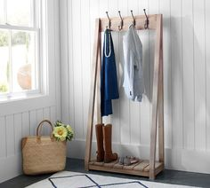 Cute rustic Coat Rack for entry way. farmhouse style. love this stuff! #afflink