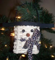 Love this great basket ornament for the winter. I think mom and bella should start this one.