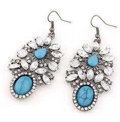 Earrings  via @lazy.fashionista