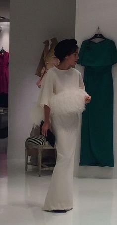 Gala Dresses, Event Dresses, Bridal Dresses, Nursing Dress For Wedding, Yes To The Dress, Dress Up, Cristina Reyes, Bridal Tips, Feather Dress
