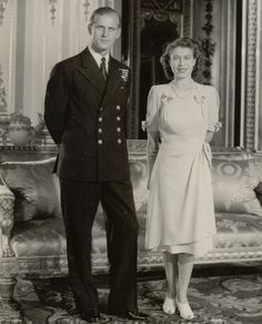 Engagement of Princess Elizabeth & Lieutenant Philip Mountbatten - Photo October 15 1947