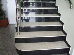 Wir bieten Ihnen #Granit #Treppen, die exakt nach Ihren Wünschen gefertigt und angepasst werden.   http://www.treppen-deutschland.com/granit-treppen-moderne-granit-treppen