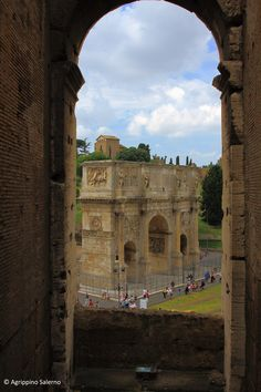 to ] Great to own a Ray-Ban sunglasses as summer gift.The Arch of Constantine seen from the Colosseum - Rome, Italy The Places Youll Go, Places Ive Been, Places To Visit, Italy Party, Voyage Rome, Arch Of Constantine, Constantino, Regions Of Italy, Triomphe
