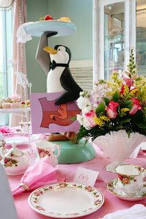 Absolutely **swooning** over this Mary Poppins party in Australia found at My Life My Loves via Amy Atlas. Here is MY Party Wishes Mary. Baby Birthday, Birthday Parties, Birthday Ideas, Penguin Birthday, 36th Birthday, Disney Birthday, Themed Parties, Birthday List, Deco Disney