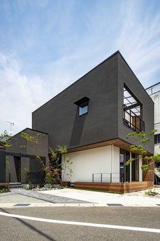 Modern Exterior, Exterior Design, Modern Buildings, Modern Architecture, Village House Design, Box Houses, Building Exterior, Japanese House, Facade House