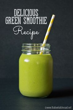 This tropical green smoothie recipe will give you fantastic vitamins while pleasing your tastebuds! Green Detox Smoothie, Healthy Green Smoothies, Smoothie Prep, Good Smoothies, Healthy Fruits, Fruit Smoothies, Healthy Drinks, Ninja Smoothie Recipes, Vegetable Smoothie Recipes