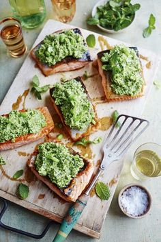 Elenora Galasso's Salmon fillet with broad bean and pecorino mousse is perfect for a picnic Summer Lunch Recipes, Summer Dishes, Salmon Fillets, Edamame, Fish Dishes, Fish And Seafood, Dinner Tonight, Healthy Eating, Healthy Recipes