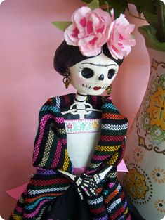 Frida Catrina de papel mache. Day of the dead Catrina.