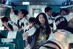 Train to Busan Re-Release Trailer: Zombie Apocalypse Movie Returns to Theaters This Week Best Zombie Movies, Scary Movies To Watch, Best Horror Movies, Movies To Watch Online, Halloween Movies, Horror Films, Netflix Horror, Old Boys, Terrifying Horror Movies