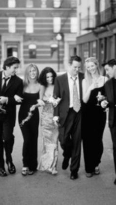 FRIENDS -- Season 6 -- Pictured: (l-r) David Schwimmer as Ross Geller, Jennifer Aniston as Rachel Green, Courteney Cox as Monica Geller, Matthew Perry as Chandler Bing, Lisa Kudrow as Phoebe Buffay, Matt LeBlanc as Joey Tribbiani -- (Photo by: NBC/NBCU Photo Bank via Getty Images) via @AOL_Lifestyle Read more: http://www.aol.com/article/2016/01/25/matthew-perry-says-past-substance-abuse-has-caused-him-to-forget/21302569/?a_dgi=aolshare_pinterest#fullscreen