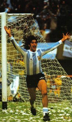Kempes Retro Football, Sport Football, Football Shirts, Soccer World, World Of Sports, Image Foot, E Sport, Soccer Stars, Best Player