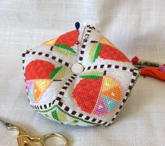 satsuma_street_cross_stitch_biscornu_pincushion_tutorial_photos