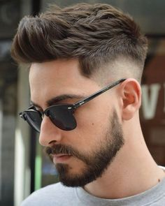 Stunning 45 Cozy Drop Fade Haircut Ideas That Make You More Cool Mens Hairstyles With Beard, Cool Hairstyles For Men, Boy Hairstyles, Hair And Beard Styles, Haircuts For Men, Curly Hair Styles, Hairstyle Men, Classic Mens Hairstyles, Classic Haircut