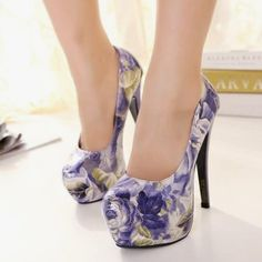 4b0c7a5674 Want professional advice along with tips on women s shoes. Womens Shoes For  Standing All Day
