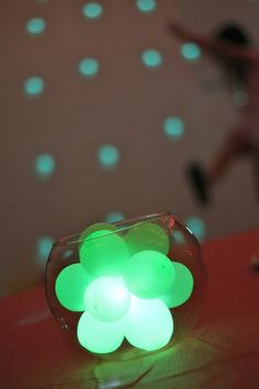 Glowing Balloon Centerpiece (Video Tutorial) | Family Chic by Camilla Fabbri ©2009-2012. All rights reserved. The blog
