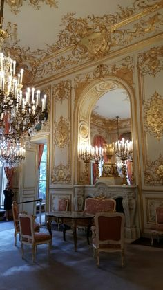 Baroque Architecture, Amazing Architecture, Architecture Details, Interior Architecture, Le Bristol Paris, Vintage Interiors, French Interiors, Interior Design And Construction, Glam House