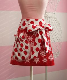 Christmas Apron  Red and White Christmas Snowflake by KitchenGlam, $20.00