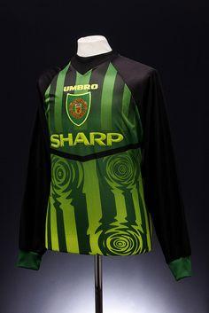 Manchester United Football Shirt (1997-1998, goalkeepers)