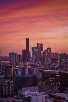 Pink hues over Brisbane Australia Australia Tumblr, Australia Funny, Australia Beach, Queensland Australia, Australia Living, Melbourne Australia, Western Australia, Australia Travel, Australia Wallpaper