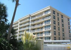 Waterview Towers Destin FL for sale are great for permanent residents, vacation home owners, and investors.