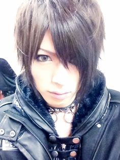 "Diaura's singer Yo-ka, picture from his official ameblo blog. This look is from their new PV ""Lily"", he looks amazing in this PV *-* I love this look on him ^-^ #visualkei #jrock"