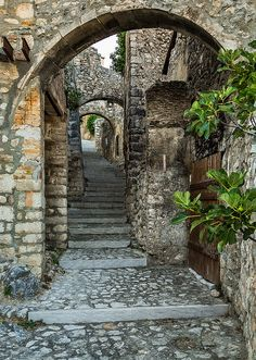 A cobbled alley in Navelli (Abruzzo) that is considered one of the most beautiful Italian villages #Italy #travel #Abruzzo