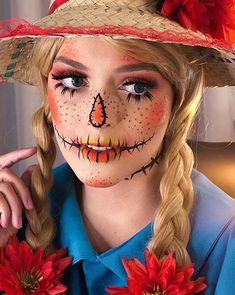 The best costume idea for Halloween scarecrow makeup. Keep reading for some of our favorite scarecrow-inspired looks and tutorials. Diy Scarecrow Costume, Scarecrow Halloween Makeup, Quick Halloween Costumes, Cool Halloween Makeup, Halloween Looks, Scary Halloween, Halloween Ideas, Halloween 2019, Meme Costume