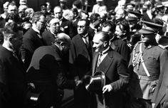 Selahattin Giz'in Koleksiyonundan Atatürk'ün Az Bilinen 74 Fotoğrafı – MustafaKemâlim Journalism, Fictional Characters, Journaling, Fantasy Characters