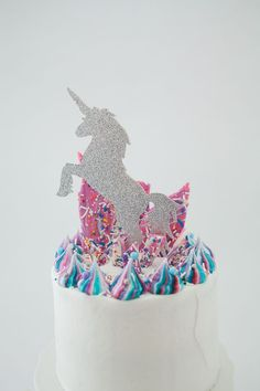 Making Unicorn Bark for a Unicorn Party is an absolute MUST. It's quick, easy and make a great statement on your table. See the video instructions here.
