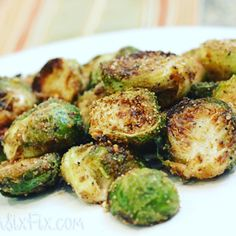 """88 Likes, 3 Comments - Easy Recipes for Busy Moms (@easyrecipesforbusymoms) on Instagram: """"These crispy parmesan crusted brussels sprouts are so good even my kids will eat them. YES! Kids…"""""""