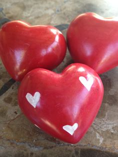 Red Heart Love Rocks Love is an amazing feeling.  Celebrate it with these beautiful Red Heart Love Rocks made from Kisii stone from the Kisii region of Kenya.  Hand carved and hand painted by Fair Trade Artisans in Kenya, this purchase gives them self respect and enables them to send their children to school.