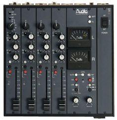 AD-114 Mezclador de Sobremesa 4 Entradas – 2 Salidas http://telcoavi.es/audiodevelopments/audiod_1.php
