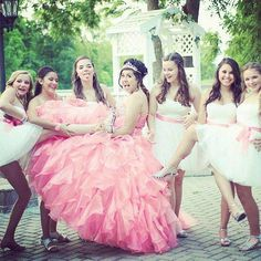 Aside from the typical Quinceanera pictures your parents want make sure to think outside the box and add a few crazy poses to your Quince album! Quinceanera Court, Quinceanera Planning, Quinceanera Dresses, Quinceanera Cakes, Xv Dresses, Ball Gown Dresses, Quince Pictures, Sweet 16 Photos, Quinceanera Photography
