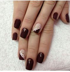 These lovely manicure styles can not only be done in manicure shops, but also suitable for beginners to operate at home. Come and pick the one that belongs to you. Matte Nails Glitter, Acrylic Nails, French Nails, Nail Polish Designs, Nail Art Designs, Maroon Nails, Square Nail Designs, Polka Dot Nails, Trendy Nail Art