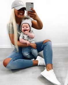Awesome Mom and Me Selfie Ideas Mother Son Matching Outfits, Mom And Son Outfits, Baby Boy Outfits, Kids Outfits, Baby Boy Fashion, Kids Fashion, Style Fashion, Baby Selfie, Trendy Baby Boy Clothes