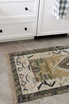 140 best flooring rugs images in 2019 new living room dining rh pinterest com