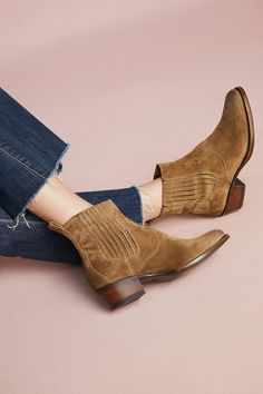 Shop the Frye Diana Chelsea Western Boots and more Anthropologie at Anthropologie today. Read customer reviews, discover product details and more.