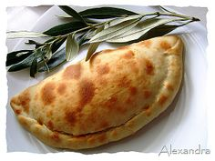 Καλτσόνε βήμα βήμα Different Recipes, Other Recipes, My Recipes, Cooking Recipes, Favorite Recipes, Greek Recipes, Desert Recipes, Sausage Roll Pastry, Baking And Pastry