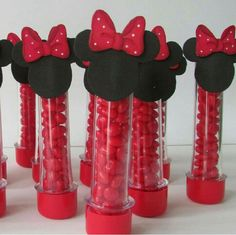 Niver Marie Sophie e Louis Minnie Y Mickey Mouse, Fiesta Mickey Mouse, Mickey Mouse Parties, Baby Mickey, Mickey Party, Birthday Party Decorations, Birthday Parties, Mickey Mouse Birthday, Alice