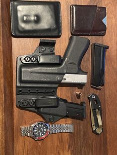 Edc Tactical, Everyday Carry Gear, Edc Gear, Clothing Items, Hand Guns, Random Things, Knives, Leo, Survival