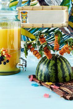 Broileripalmut   K-ruoka #lastenkutsut #viidakko Watermelon, Table Decorations, Fruit, Food, Home Decor, Decoration Home, Room Decor, Eten, Meals