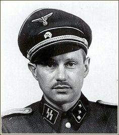 """Dr. Hans Munch zwany """"Dobrym człowiekiem Auschwictz"""" był jedynym doktorem, który pomagał więźniom z """"środka"""". Fałszował wyniki badań aby utrzymać wiele istnień przy życiu ryzykując swoim a nawet pomagał organizować ucieczki z obozu! Po wojnie został postawiony przed sądem. W wyniku zeznań wielu żydowskich świadków został całkowicie uniewinniony."""