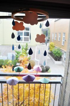 Umbrella and raindrop Mobile Tutorial and free printable from Daydream in Color.