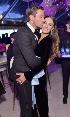 Call Me By Your Name star Armie Hammer embraced wife Elizabeth Chambers at the HFPA's Official soirée.